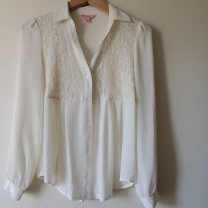 CANDIES beautiful white blouse